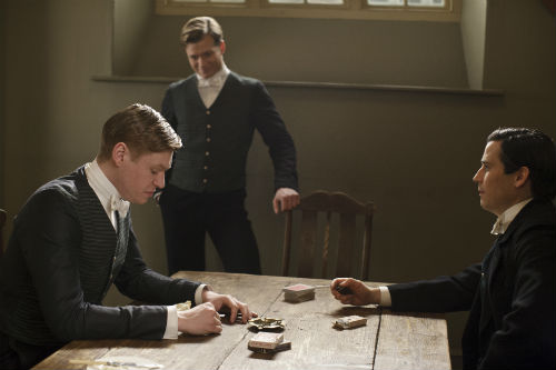 Downton Abbey S4E1: Alfred Nugent (MATT MILNE), Jimmy Kent (ED SPELEERS), Thomas Barrow (ROB JAMES-COLLIER)