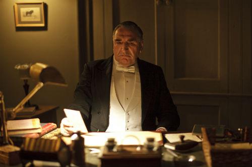 Downton Abbey S4E1: Mr. Carson (JIM CARTER)