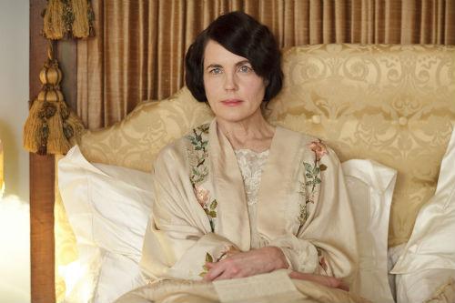 Downton Abbey S4E1: Cora Crawley, Lady Grantham (ELIZABETH MCGOVERN)
