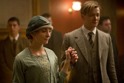 Downton Abbey S4E2: Anna Bates (JOANNE FROGGATT), Jimmy Kent (ED SPELEERS)