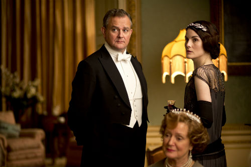 Downton Abbey S4E3: Robert Crawley, Lord Grantham (HUGH BONNEVILLE), Lady Mary Crawley (MICHELLE DOCKERY)
