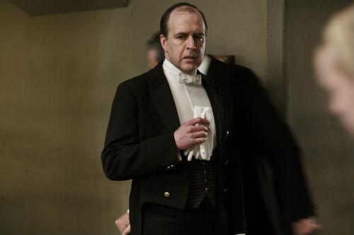 Downton Abbey S4E3: Joseph Molesley (KEVIN DOYLE)