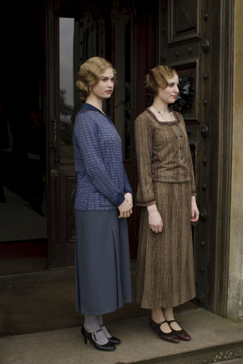 Downton Abbey S4E3: Lady Rose MacClure (LILY JAMES), Lady Edith Crawley (LAURA CARMICHAEL)