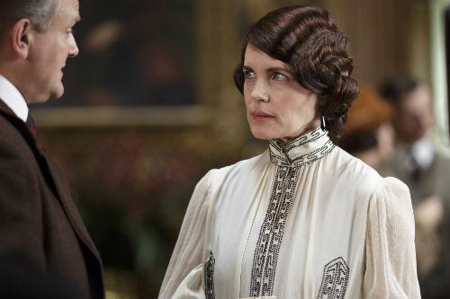 Downton Abbey S4E3: Robert Crawley, Lord Grantham (HUGH BONNEVILLE), Cora Crawley, Lady Grantham (ELIZABETH MCGOVERN)