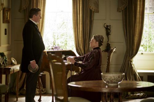Downton Abbey S4E5: Spratt (JEREMY SWIFT), Violet Crawley (MAGGIE SMITH)