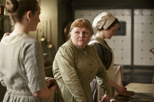 Downton Abbey S4E3: Ivy Stuart (CARA THEOBALD), Mrs. Patmore (LESLIE NICHOLL), Daisy Mason (SOPHIE MCSHERA)
