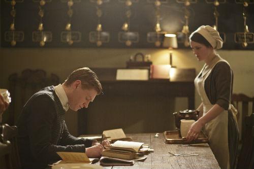 Downton Abbey S4E3: Alfred Nugent (MATT MILNE), Daisy Mason (SOPHIE MCSHERA)