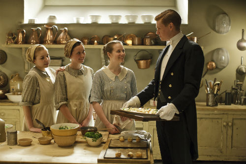 Downton Abbey S4E4: Ivy Stuart (CARA THEOBALD), Alfred Nugent (MATT MILNE)
