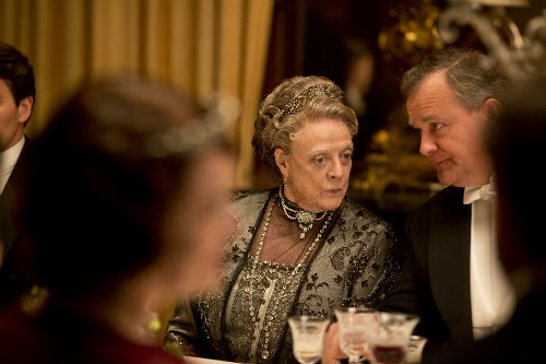 Downton Abbey S4E5: Violet Crawley (MAGGIE SMITH), Robert Crawley (HUGH BONNEVILLE)