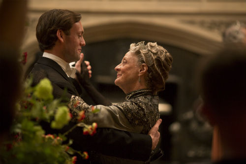 Downton Abbey S4E5: Evelyn Napier (BRENDAN PATRICK), Violet Crawley (MAGGIE SMITH)