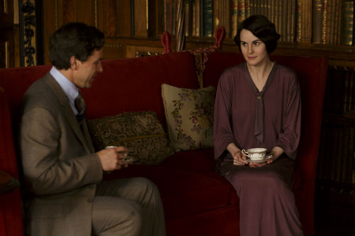 Downton Abbey S4: Charles Blake (JULIAN OVENDEN), Mary Crawley (MICHELLE DOCKERY)