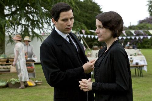 Downton Abbey S4: Thomas Barrow (ROB JAMES COLLIER), Mrs. Baxter