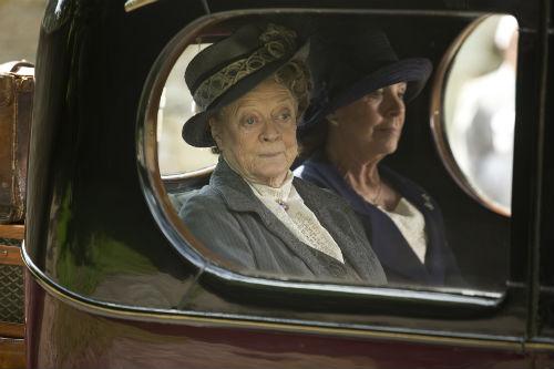 Downton Abbey S4: Violet Crawley (MAGGIE SMITH), Isobel Crawley (PENELOPE WILTON)