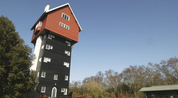 Britain's Secret Homes: E2
