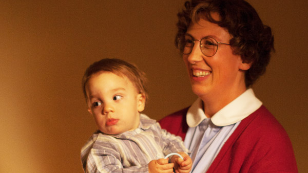 Call the Midwife S3E7: Baby Freddie, Chummy Noakes (MIRANDA HART) Photo: Laurence Cendrowicz (c) Neal Street Productions 2013