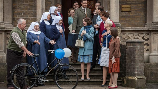 Call the Midwife S3E8: Front row (L-R): Fred (CLIFF PARISI), Sister Evangelina (PAM FERRIS), Sister Julienne (JENNY AGUTTER), Sister Monica Joan(JUDY PARFITT), Jenny Lee (JESSICA RAINE), Chummy Noakes (MIRANDA HART), Trixie (HELEN GEORGE), Cynthia Miller (BRYONY HANNAH) Back row (L-R): Sister Winifred (VICTORIA YEATES), Patsy Mount (EMERALD FENNELL), Shelagh (LAURA MAIN), Dr Turner (STEPHEN MCGANN), Philip (STEPHEN ASHFIELD), Tom Hereward (JACK ASHTON), Timothy Turner (MAX MACMILLAN), Peter Noakes (BEN CAPLAN) Photo: John Rogers (c) Neal Street Productions 2013