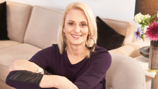 Big Downsize S1 - Host and Professional Organizer Jane Veldhoven