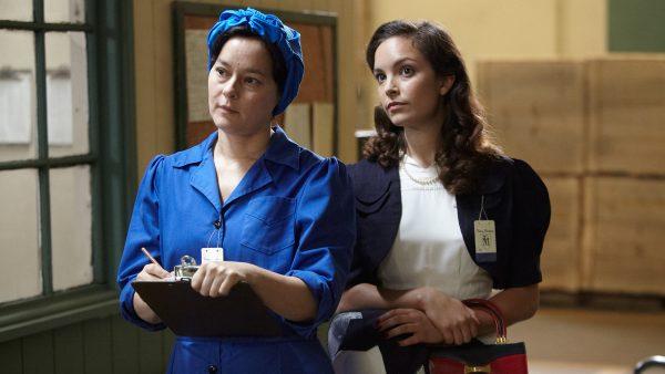 Bomb Girls S1E1 - Meg Tilly as Lorna, Jodi Balfour as Gladys