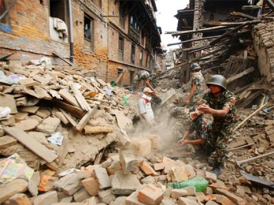 rescuers-struggle-to-reach-many-in-nepals-earthquake-fear-worst
