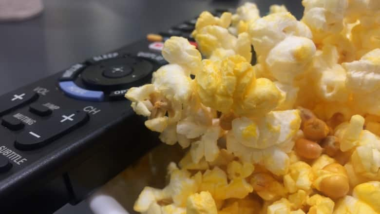 Cineplex Delivers Movie Theatre Snacks To Your Home Work Zoomer
