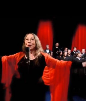 Marilyn Lightstone's 'The Light Shines All Over the World'