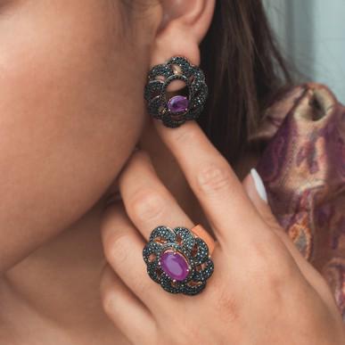 Brinco Floral Black Essential Collection