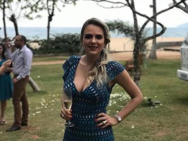 Vestido babado!!!! Caimento perfeito! Excelente para casamentos na praia!