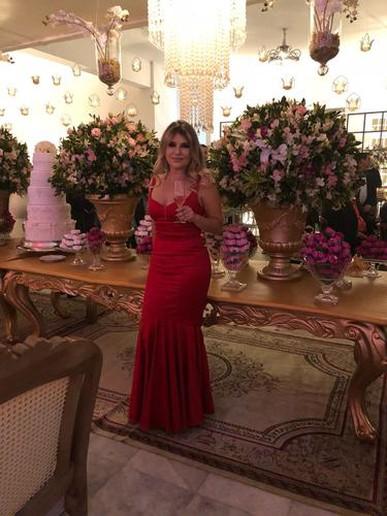 Ameiiii o vestido! Maravilhoso.