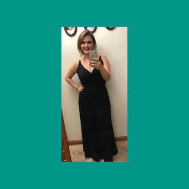 O vestido é lindo. So perdeu o encanto por conta da barra, como sou baixinha a barra ficou extremamente pesada o que fez com que eu ficasse a noite toda puxanto o busto do vestido.