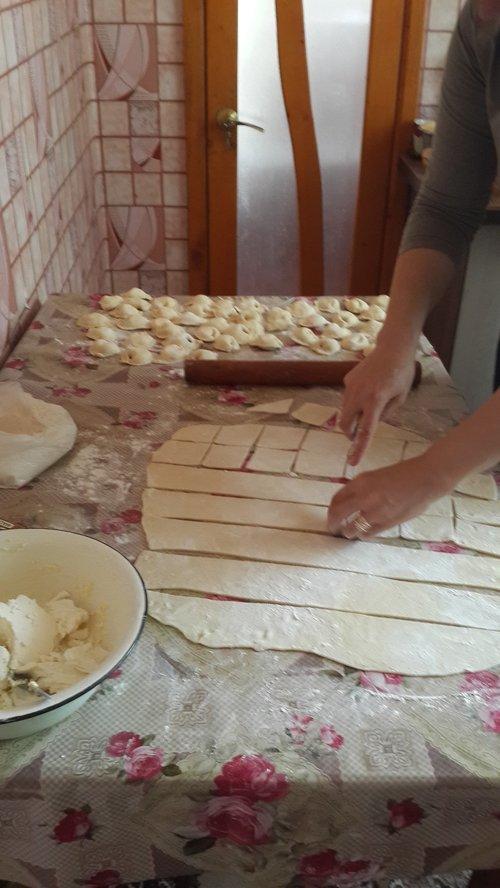 Cutting Dough for Coltunasi