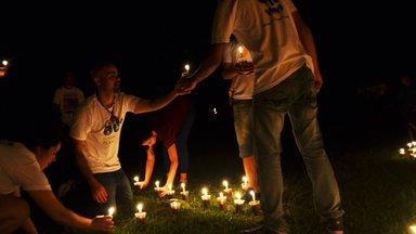 Distributing candles