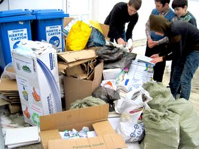 Students recycle materials at a school in Rîșcani.