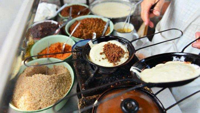 蛋烘糕 (dànhōnggāo)