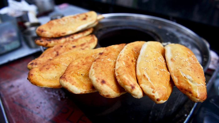 牛舌饼 (niúshé bĭng)