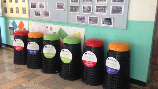 zero waste trash cans and recycle bins