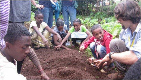 3 ways Peace Corps Volunteers are feeding the future