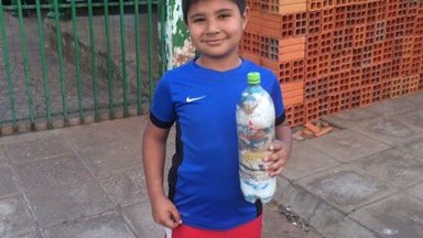 Student with his bottled became an eco-brick