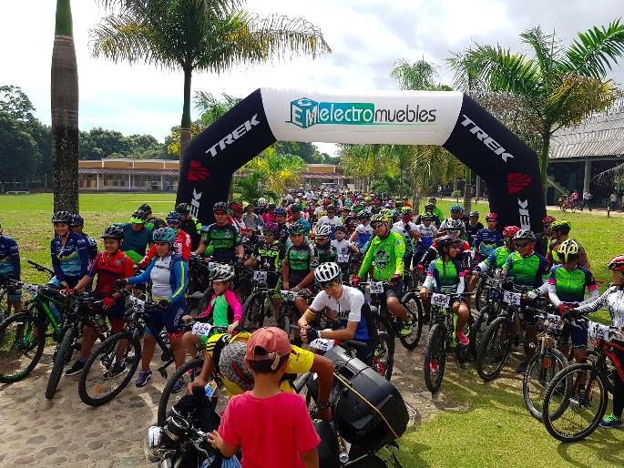"""Comunidad adventista de Saravena realizó ciclopaseo """"Quiero vivir sano"""""""