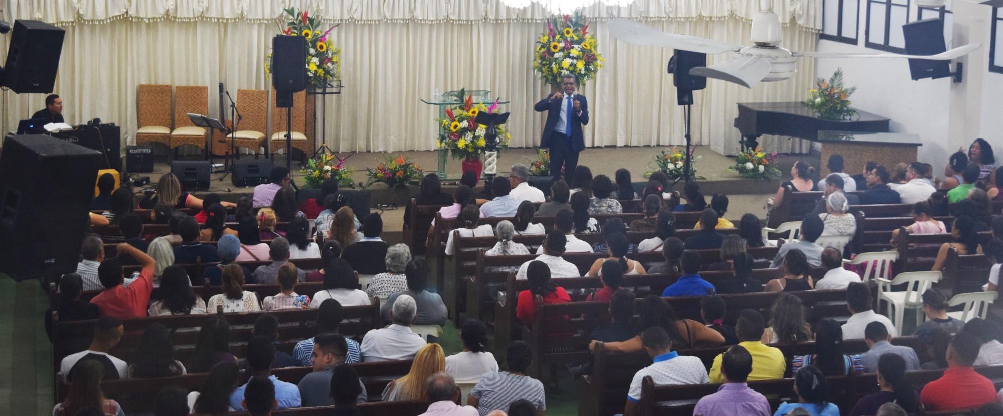Más de 100 personas bautizadas durante la campaña Profecías de Esperanza en Barranquilla