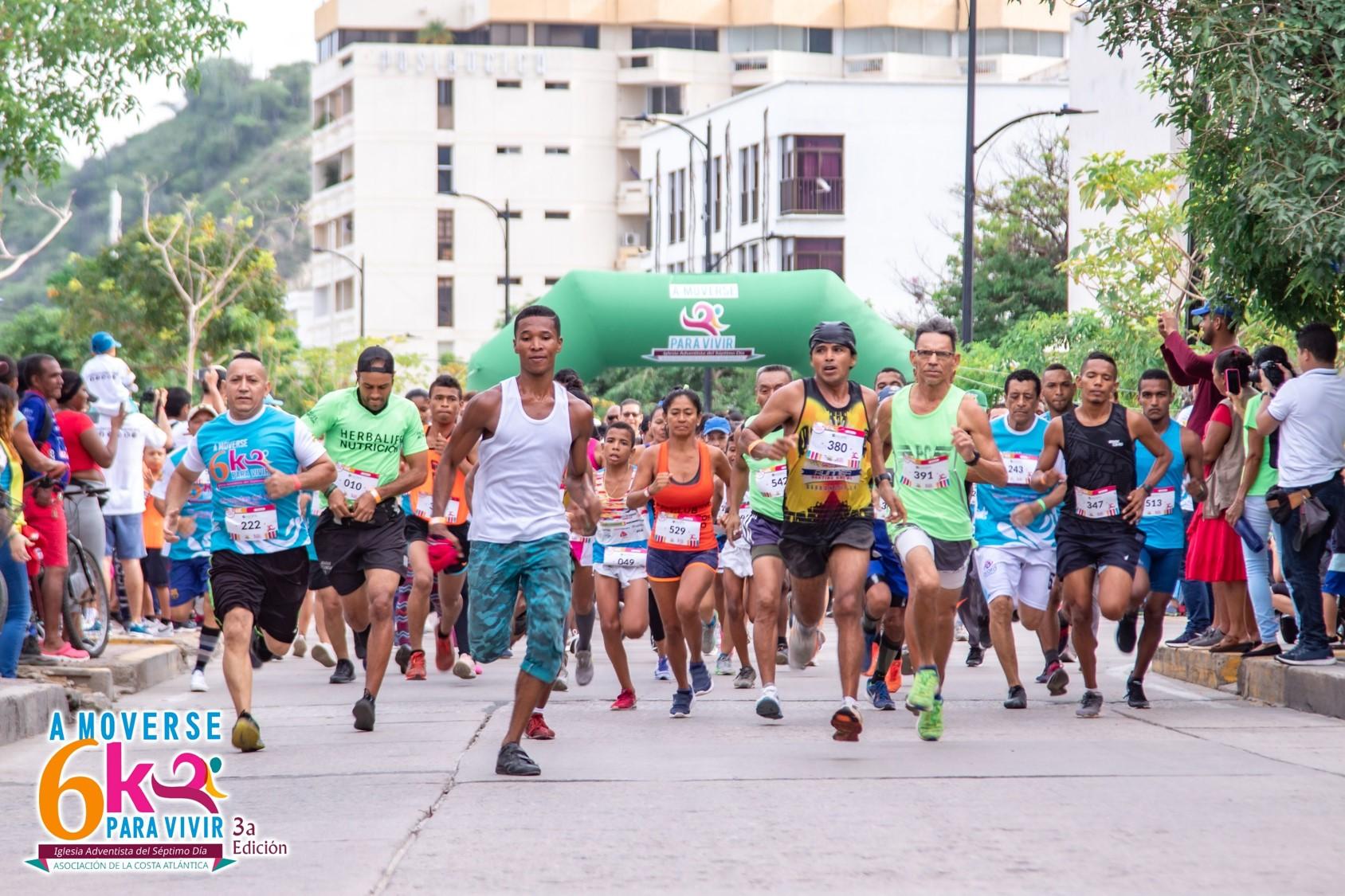 """La carrera atlética 6K """"Olimpiadas del mar"""" involucró a cientos de adventistas y amigos en Santa Marta"""