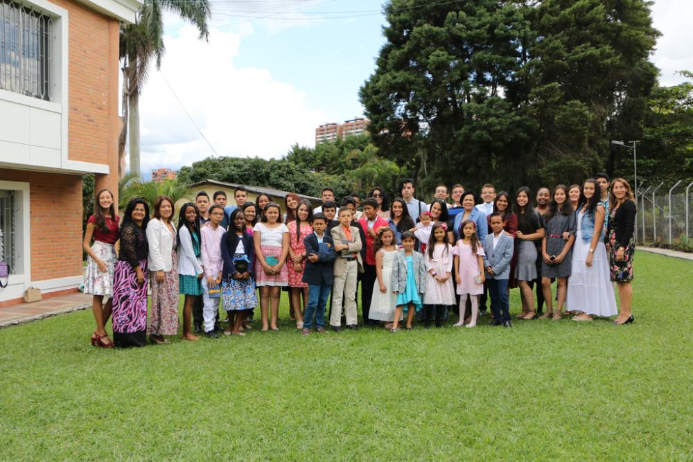 Programa integra y motiva a hijos de pastores en Medellín