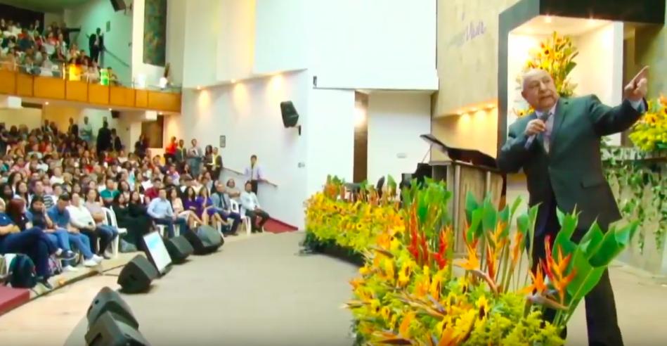 Jornada de énfasis espiritual con el Pr. Alejandro Bullón impacta al pueblo adventista en Colombia