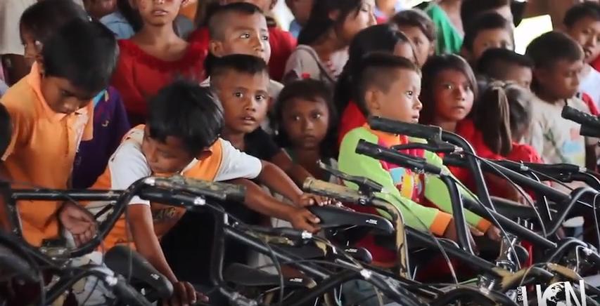 Iglesia adventista cumple promesa de donar mil bicicletas para niños wayuu