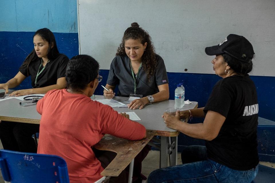 En Santa Marta, la Iglesia Adventista atiende a la comunidad durante una jornada de salud