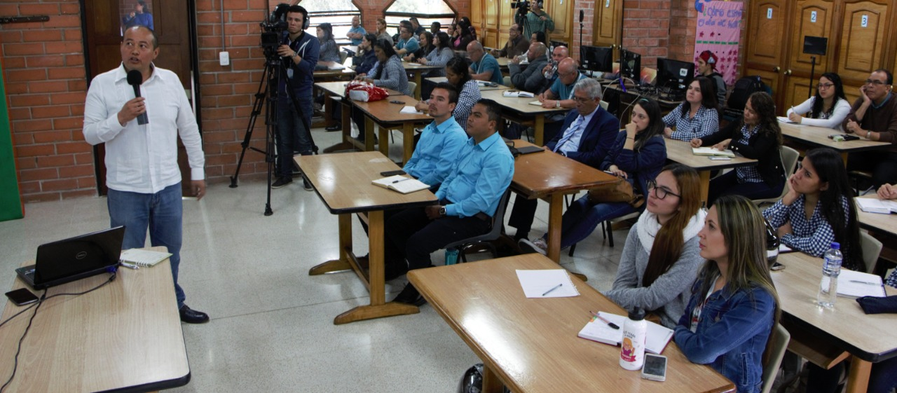 Maestros de la Unión Colombiana del Norte reciben instrucción del Modelo Pedagógico para Instituciones Adventistas