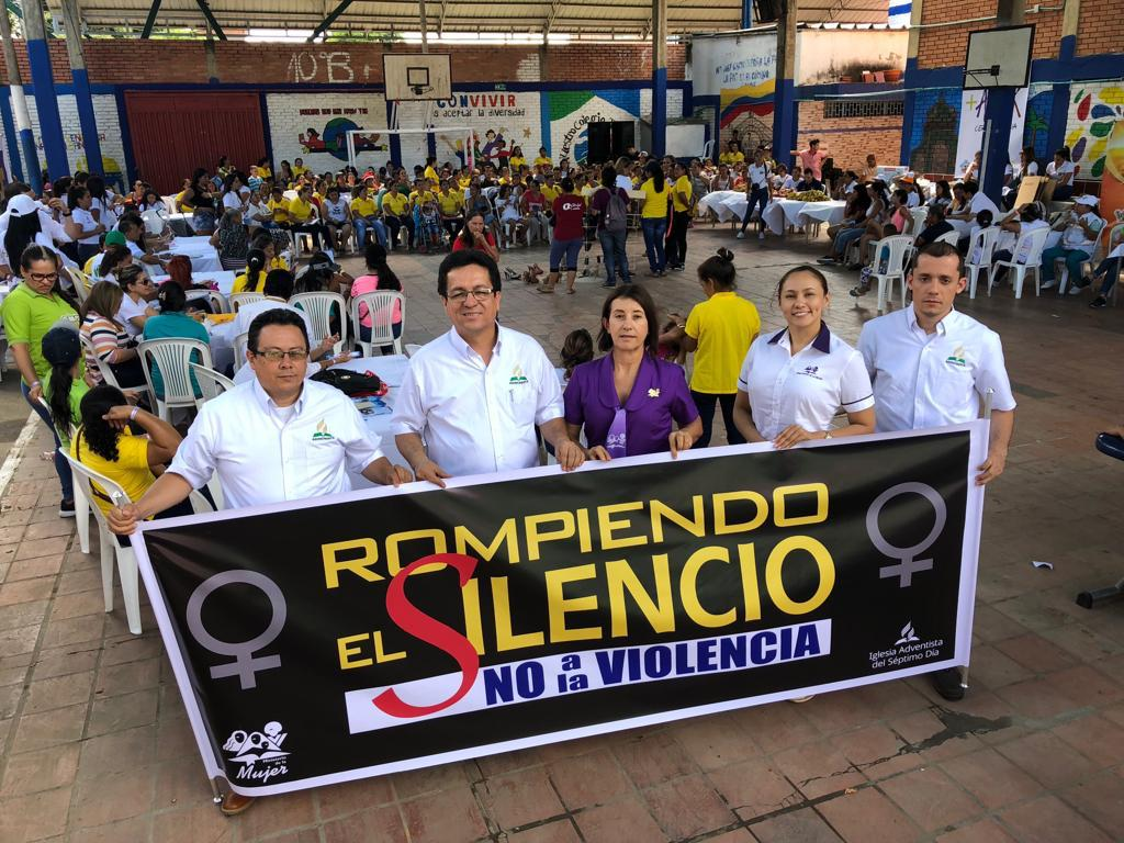 Adventistas en Colombia marcharon en el Día Internacional de la Eliminación de la Violencia contra la Mujer