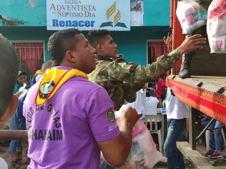 ADRA colombia y miembros de la Iglesia Adventista del Séptimo Día se solidarizaron con afectados por creciente súbita en Apartadó, Antioquia.