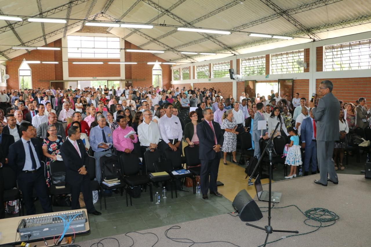2.000 Laicos de AsoCentro congregados en el lanzamiento del programa misionero de la UCN Profecías de Esperanza