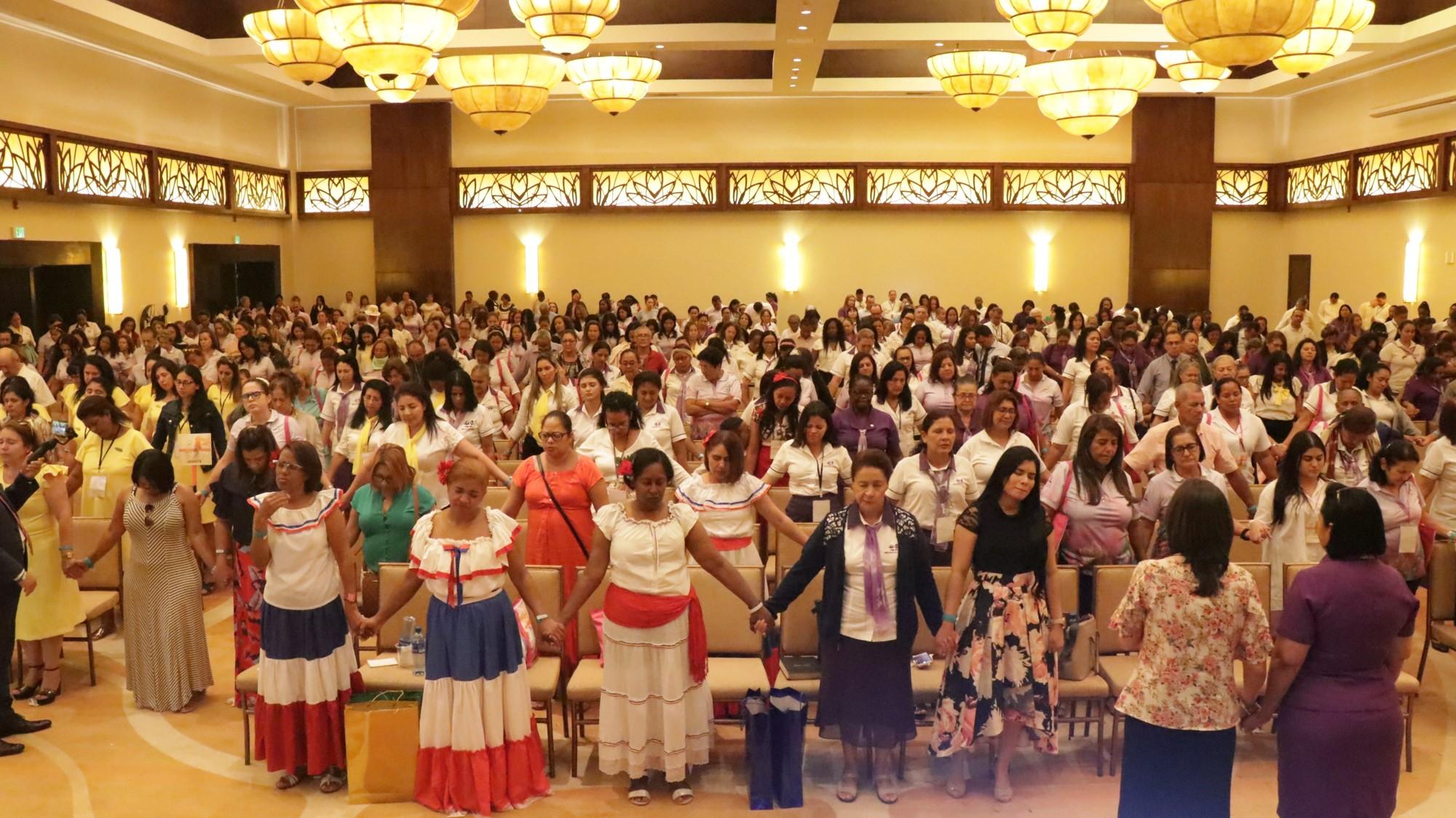 Reavivamiento espiritual durante el congreso del Ministerio de la Mujer en Panamá