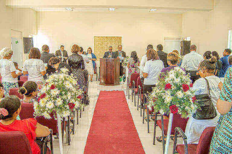 En República Dominicana se inaugura la primera iglesia y estación de radio combinadas